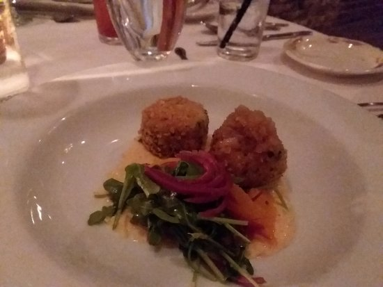 Yakima, WA: Crab Cakes Hors D'Oeuvres, it's a tease so good you need to order two