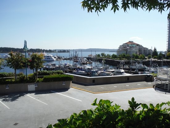 Nanaimo, Canada: VIEW OF HARBOUR FROM HARBOURFRONT