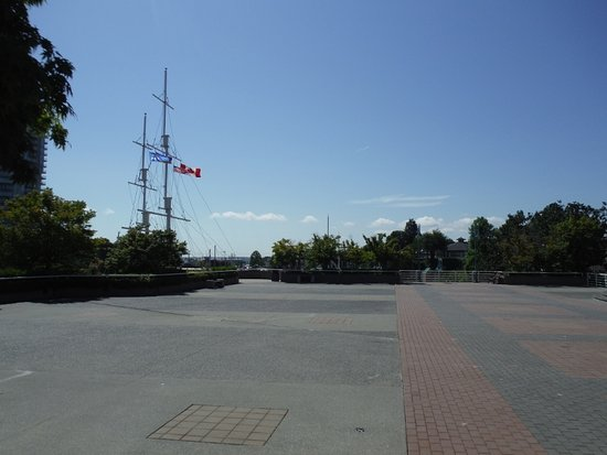 Nanaimo, Canada: VIEW OF OPEN TERRACE HARBOURFRONT