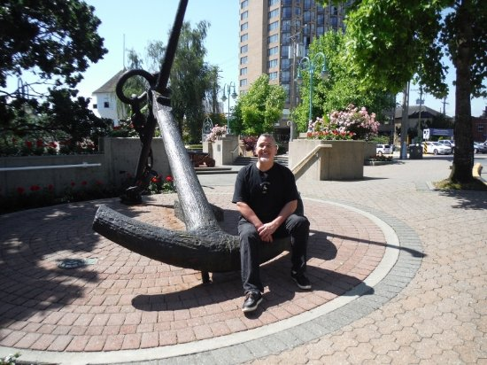 Nanaimo, Canada: AUTHOR AT HARBOURFRONT DISPLAY