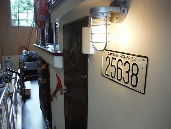 Maritime Heritage Centre: BCP 45 FISHING LICENSE
