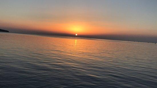 Kandira, ตุรกี: Kerpe Lidya Beach te günbatımı. Sunset at Lidya Beach in Kerpe, Kandıra, Kocaeli, Turkey (Bleacs