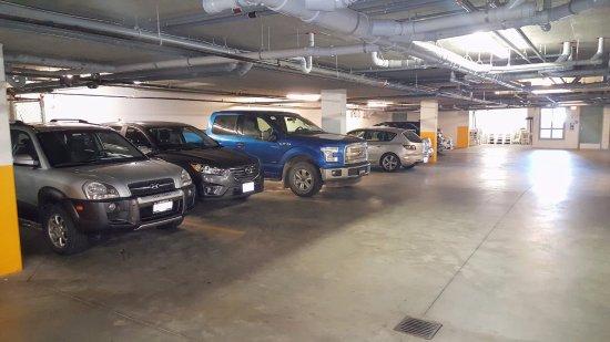 Summerland, Kanada: Parking Garage