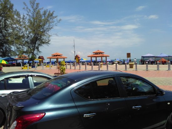 Port Dickson, Malaisie : Public walk way along beach Teluk Kemang.