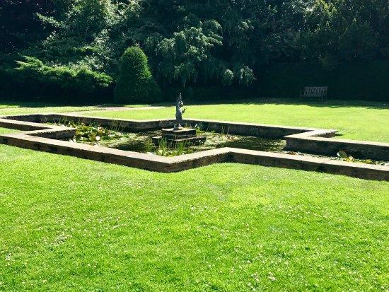 Goddards House and Garden : photo9.jpg