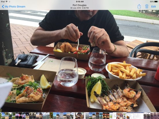 Nautilus Holiday Apartments: Favourite Fish & Chips shop ..Lantern Fish Main Road Port Douglas