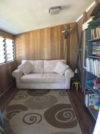 Tallebudgera, Австралия: Historical Settlers Cottage 4th bedroom/kids playroom