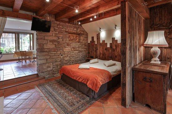 Hostellerie La Charrue: Rez de jardin