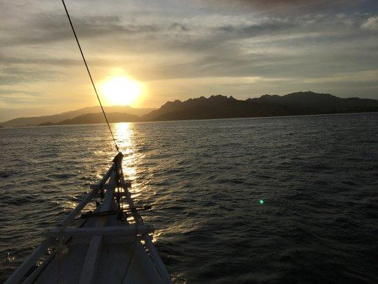 Komodo Marina Tour: Sunset