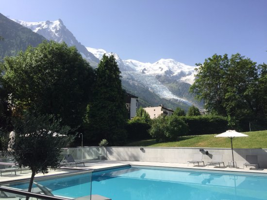 Hotel Mont-Blanc : Piscine