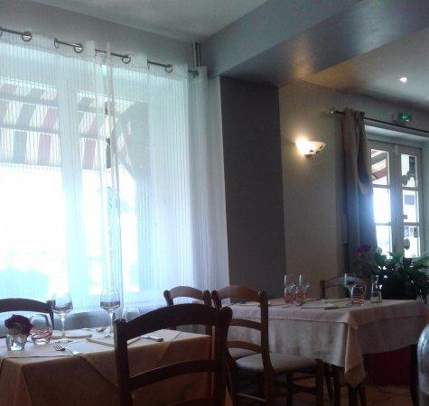 Margon, France: Ambiance restaurant