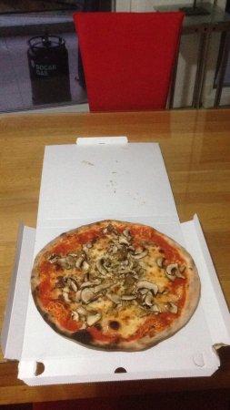La Botte: Pizza reçu à domicile
