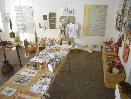 Koroni, Greece: Handpainted textiles and clothes, paintings, ceramics, handmade items, jewellery.