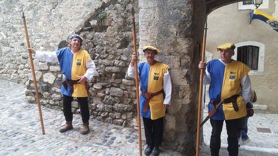 Office De Tourisme De Viviers : la garde royale