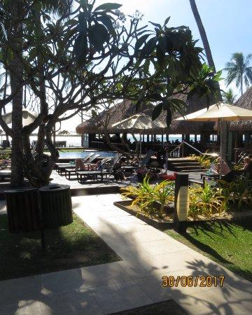The Westin Denarau Island Resort & Spa Fiji: dining with childrens pool nearby