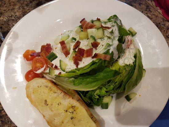 Hutchinson, MN: Iceberg Salad