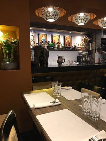 pick thai restaurant montreal restaurant reviews phone. Black Bedroom Furniture Sets. Home Design Ideas