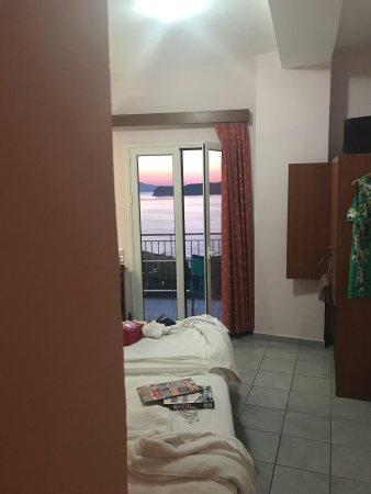 Renieris Hotel: photo1.jpg