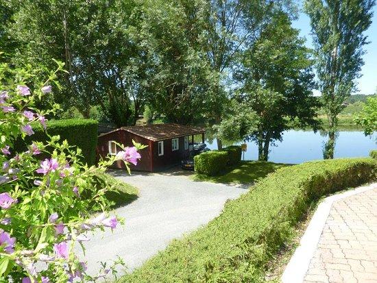 Badefols-sur-Dordogne, France: getlstd_property_photo