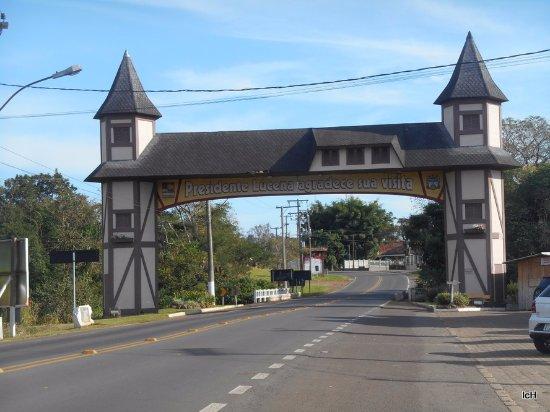 State of Rio Grande do Sul: Pórtico de Presidente Lucena