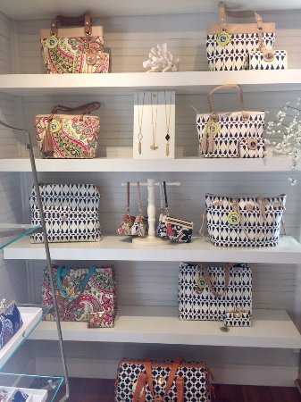 Spartina 449 bluffton all you need to know before you for Jewelry stores bluffton sc