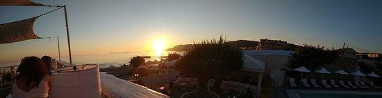 Hotel Horizon: Coucher du soleil de la terrasse du restaurant