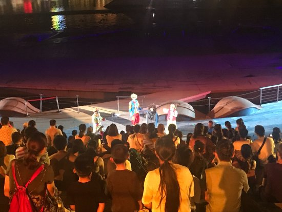 OCT Bay Water Show : photo2.jpg