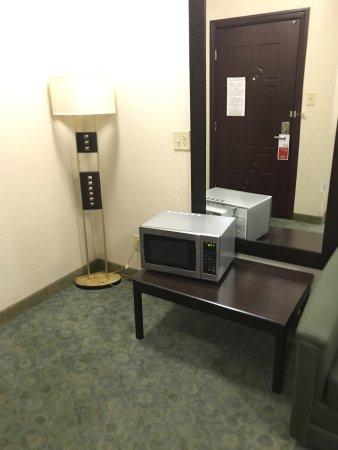 Hewitt, TX: Microwave just thrown in front of door