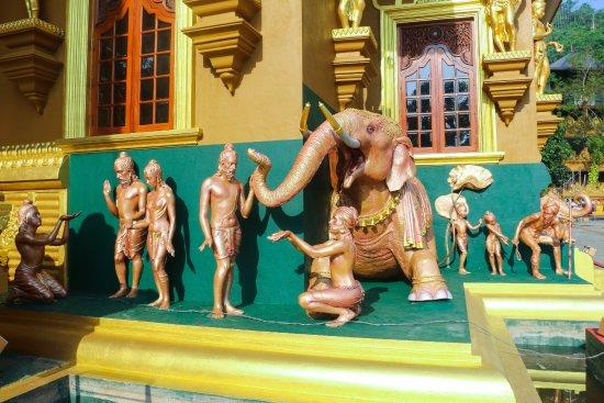 Polgahawela, Sri Lanka: Wessanthara Jathakaya @ Siri Gautama Sambuddharaja Maligawa