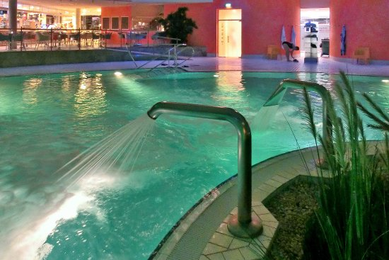Bad Sulza, Tyskland: Abends in der Therme