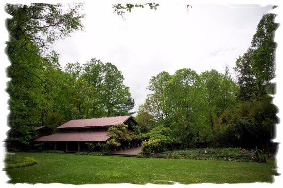 Barnardsville, NC: Elfhaven Lodge