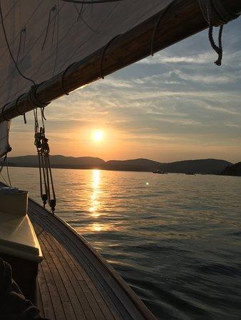 Sail Acadia: Beautiful sunset cruise!