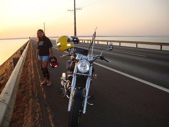 """Helio Serejo Bridge: A moto! Dona """"Onça"""", a ponte e o Paranazão!"""