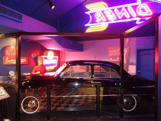 Oklahoma Route 66 Museum: Another nice display