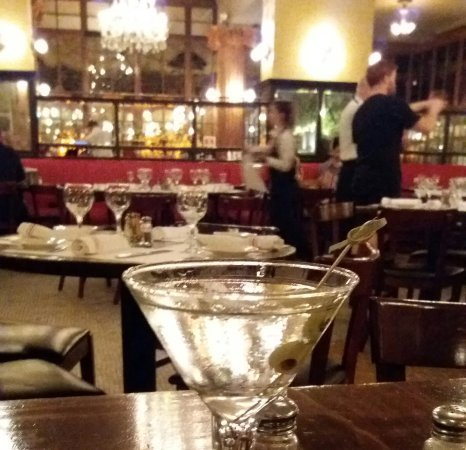 Cafe Un Deux Trois : Late night martini