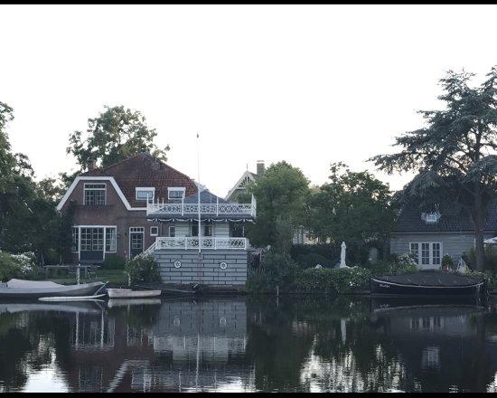 Broek in Waterland, The Netherlands: Frühstücksplatz im Guesthouse