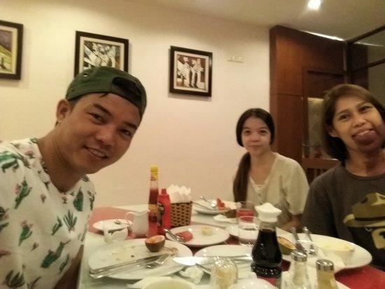 Hanoi Holiday Diamond Hotel: 20170629_083628_large.jpg