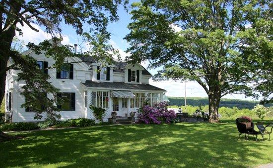 Newfield, Estado de Nueva York: Enfield Manor, peaceful yet 7 miles from downtown Ithaca