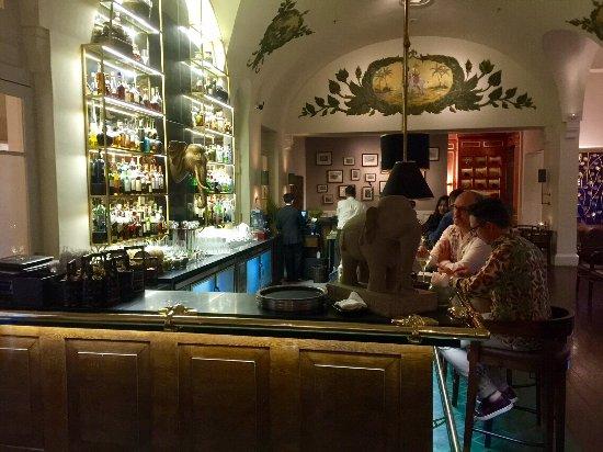 Raffles Hotel Le Royal: Bar
