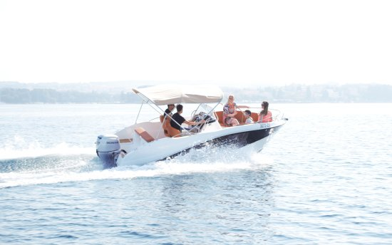 Rent a Boat Itai Zadar