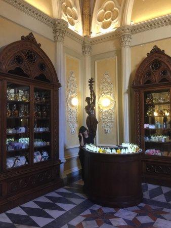 Officina Profumo-Farmaceutica di Santa Maria Novella: photo3.jpg