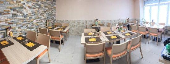 Pontacq, Frankrig: Restaurant