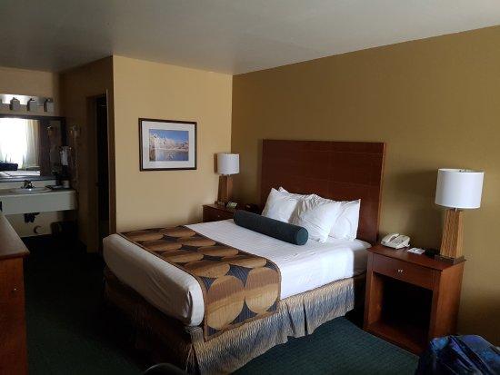 Best Western Gardens Hotel at Joshua Tree National Park Photo