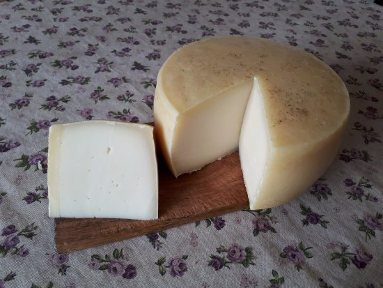 Mandre, Croatia: Homemade Pag cheese