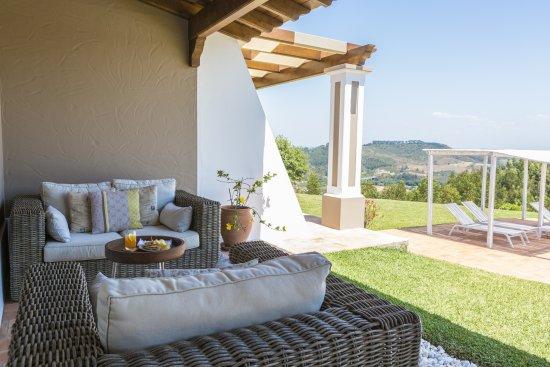 Sao Teotonio, Portugal: outdoor lounge area - pool facing