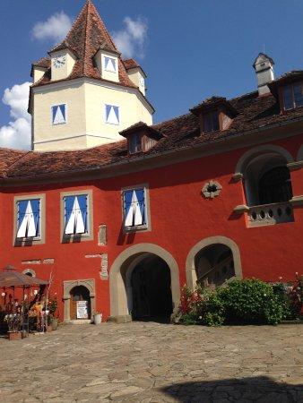 Feldbach, Österrike: Innenhof des Schlosses Kornberg, Oststeiermark