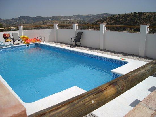 Algarinejo, Spain: piscina  posada