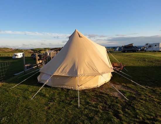 Clachtoll, UK: Pitched up with electric hook up