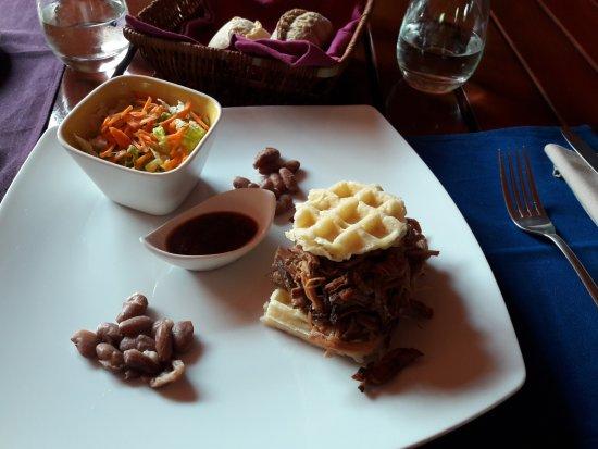 Clos des Colombes: redesigned pork burger - excellent