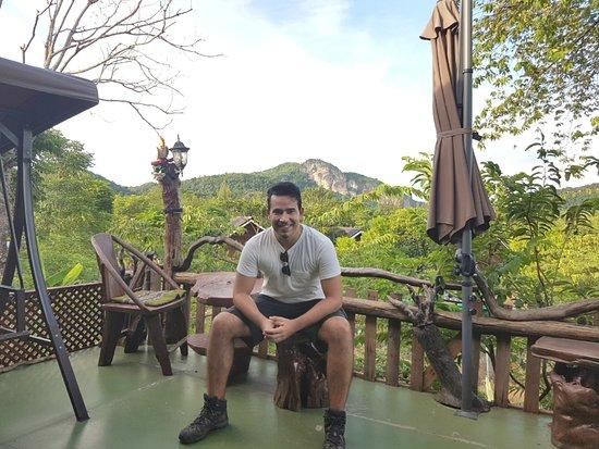 Kum Nangpaya : Lounge area, with amazing view.